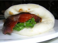 peking duck on steamed bun!!! i am DYING for this right now