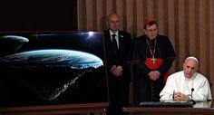 O Papa não exclui a possibilidade de que os sete planetas possam ser o lar de algum tipo de vida, obviamente inferior aos Seres Humanos