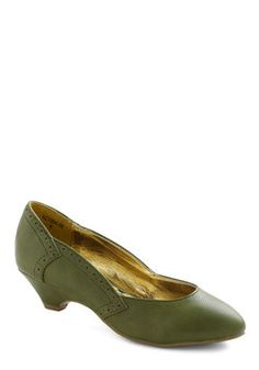 Get Into the Grove Heel, #ModCloth ---- I miss wearing tights.