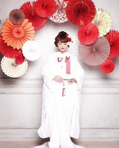 日本が誇る美しさ♡参考にしたい結婚式の白無垢一覧。素敵なウェディング・ブライダルを♪ Asian Party Decorations, Hair Decorations, Wedding Decorations, Wedding Images, Wedding Styles, Japanese Outfits, Japanese Style, Wedding Kimono, Japanese Wedding