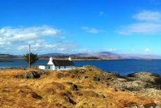 Cottage an der Westkueste Schottlands