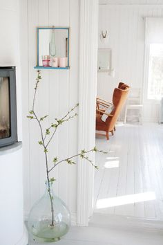Light & bright. contemporary living room by Jeanette Lunde via Houzz