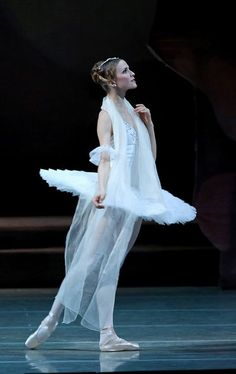 Alina Somova (Mariinsky Ballet) # photo: Natasha Razina