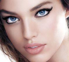 Swirl eye makeup