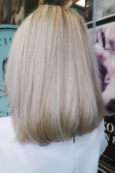 Beige-blond (Blondinbella - Isabella Löwengrip) Beige-blond - Lilly is Love Blonde Makeup, Hair Makeup, Blond Beige, Brown Blonde Hair, Black Hair, Boliage Hair, Girls Short Haircuts, Rides Front, Good Hair Day