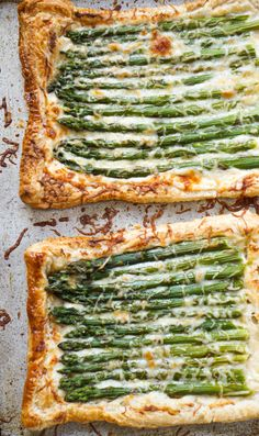 Puff pastry tart topped with garlicky, cheesy bechamel & perfectly roasted asparagus. The perfect appetizer for spring and summer entertaining. Asparagus Tart, Parmesan Asparagus, Asparagus Recipe, Asparagus Appetizer, Side Dish Recipes, Vegetable Recipes, Vegetarian Recipes, Cooking Recipes, Healthy Recipes