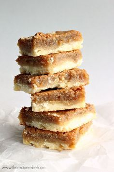 Butter Tart Squares: Ooey, gooey, sugary, buttery filling on top of a buttery shortbread crust -- so easy and SO good! The shortcut to good butter tarts. Baking Recipes, Cookie Recipes, Dessert Recipes, Bar Recipes, Recipies, Pudding Desserts, Yummy Recipes, Holiday Baking, Christmas Baking