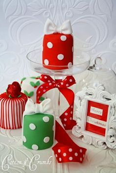 #Christmas #cakes petit fours ToniK ℬe Meℜℜy beautiful!