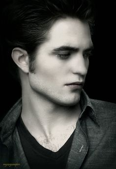 love the New Moon edit Edward Bella, Edward Cullen, The Cullen, Twilight Edward, Twilight New Moon, Twilight Series, Twilight Movie, Bella Swan, Robert Douglas