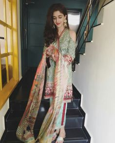 Gorgeous Wedding Wearing in Mawra Hocane at the Best Friend Wedding! ❤ #Beautiful #Lovely #PrettyGirl #MawraHocane #SummerCasual #WeddingWearing #PakistaniFashion #PakistaniActresses #PakistaniCelebrities  ✨