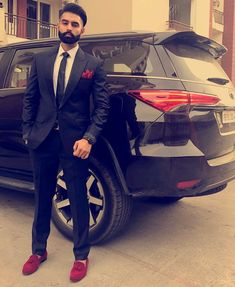 ParmishVerma♠ Caption Aaj Tusi Dasso, Off to punjabi Mens Fashion Blog, Mens Fashion Suits, Mens Suits, Lover Fashion, Man Fashion, Blazer For Men Wedding, Wedding Men, Nice Casual Outfits For Men, Parmish Verma Beard