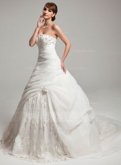 Ball-Gown Sweetheart Court Train Organza Lace Wedding Dress With Ruffle Beadwork Flower(s) (002017546)