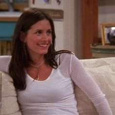"""17 Things You Never Noticed On """"Friends"""" That Will Make You Say, """"How Did I Miss That?"""""""