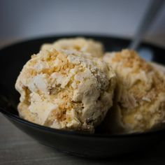 Apple pie ice cream with stem ginger