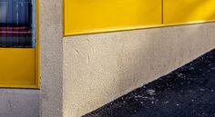 En güzel dekorasyon paylaşımları için Kadinika.com #kadinika #dekorasyon #decoration #woman #women Woodstock Windows with Yellow Edging Reflections _02.jpg