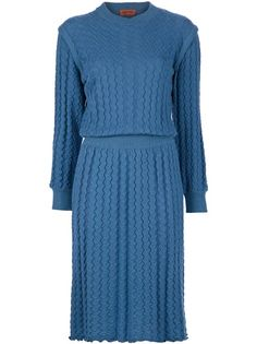 Blue wool vintage dress from Missoni featuring a crew neck, long sleeves, waistband and a zig zag knit effect.  Please note that vintage items are not new and might have minor imperfections.