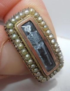 Raro-georgiano-oro-Memento-Mori-Broche-Esqueleto-en-Ataud-debe-Antiguo-aquaintance