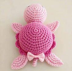 DIY – Instructions for Crocheted Turtle Amigurumi Free Pattern Tutorial - Salvabrani - Salvabrani Crochet For Kids, Free Crochet, Knit Crochet, Crochet Patterns Amigurumi, Crochet Dolls, Amigurumi Doll, Crochet Crafts, Crochet Projects, Crochet Turtle