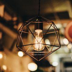 ペンダントランプ ライト 照明 照明 ペンダント 北欧。【クーポンで最大5%オフ】★ Bleis-L ブレイス Lサイズ ペンダントライト 天井照明 立体になったフレームセードがシャープ&クールなデザインのランプ。