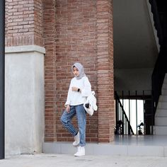 Fashion Inspiration Board Ootd 56 Ideas For 2019 Street Hijab Fashion, Muslim Fashion, Modest Fashion, Trendy Fashion, Girl Fashion, Fashion Outfits, Ootd Fashion, Fasion, Hijab Fashion Inspiration