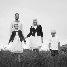 MYROYALSHOLLYWOOD FASHİON:  New photos of the Norwegian Crown Princely couple and family released for Crown Prince Haakon's 41st birthday on July 20, 2014-Princess Ingrid Alexandra, Crown Prine Haakon, Crown Princess Mette-Marit, Prince Sverre Magnus