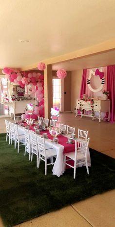 Hello Kitty Photos, Hello Kitty Themes, Hello Kitty Cake, Kitty Party Themes, Vintage Birthday Parties, Birthday Party Decorations, Hello Kitty Birthday Theme, 5th Birthday, Hello Kitty Baby Shower