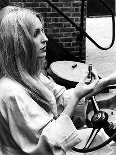 It's The Pictures That Got Small ... Sharon Tate Pictures, It's All Happening, Faye Dunaway, Star Wars, Charles Manson, Roman Polanski, Valley Of The Dolls, Timeless Beauty, Iconic Beauty