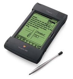 February Apple Newton Discontinued : Day in Tech History Apple Newton, Alter Computer, Old Computers, Apple Computers, School Computers, 8 Bits, Steve Jobs, Apple Products, Geek Gadgets