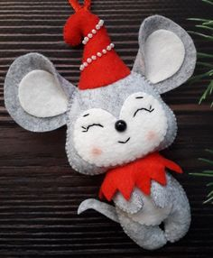Excited to share the latest addition to my shop: Christmas felt mouse Christmas mice Mouse ornament Cute Mouse Christmas ornaments Year of the rat Gray felt rat Felt rat Cute Christmas Gifts, Handmade Christmas Decorations, Christmas Ornament Crafts, Felt Decorations, Diy Ornaments, Beaded Ornaments, Homemade Christmas, Glass Ornaments, Felt Ornaments Patterns