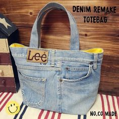 Fashion and Lifestyle Denim Bags From Jeans, Denim Tote Bags, Denim Handbags, Denim Purse, Old Jeans, Mochila Jeans, Blue Jean Purses, Creation Couture, Recycled Denim