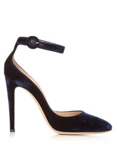 Click here to buy Gianvito Rossi Virna velvet pumps at MATCHESFASHION.COM