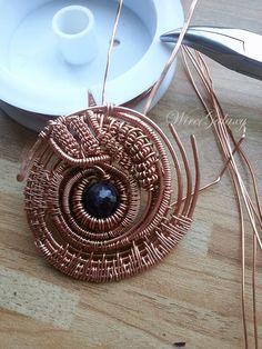 #wirecopper #wirewrapped #wireworker #wiregalsxy #wirewrap #jewelry_copper #pendant #amethust #copper #workshop #craft #artisan