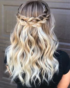 Our ideas will show you how diffrents haircuts can improve your whole style and flatter your face at once. Light Blonde Hair, Cool Blonde, Braided Crown Hairstyles, Girl Hairstyles, Highlights, Hair Spa, Shoulder Length Hair, Blonde Balayage, Hair Inspiration