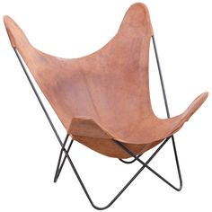 Vintage Hardoy Butterfly Chair in original Leather | From a unique collection of antique and modern lounge chairs at https://www.1stdibs.com/furniture/seating/lounge-chairs/