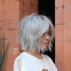 Wavy Bobs, Bleach Blonde, Summer Colors, Cut And Style, Salons, Nova, Hairstyles, Instagram, Art