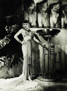 Claudette Colbert in Cleopatra 1934 by Art & Vintage Old Hollywood Glamour, Golden Age Of Hollywood, Vintage Hollywood, Classic Hollywood, Hollywood Stars, Harlem Renaissance, Belle Epoque, Deco Cinema, Divas