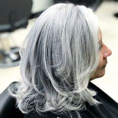 Gorgeous Shades of Gray Hair That'll Make You Rethink Those Root Touch-Ups Gorgeous Gray Hair Color Shades That'll … Short Grey Hair, Short Hair Styles, Roller Curls, Grey Highlights, Hair Color Shades, Fall Hair Colors, Going Gray, Silver Hair, Dark Hair