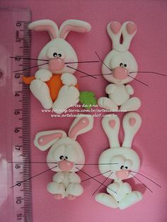 a polymer clay bunny, it is so adorable Polymer Clay Figures, Cute Polymer Clay, Polymer Clay Animals, Cute Clay, Fimo Clay, Polymer Clay Projects, Polymer Clay Charms, Polymer Clay Creations, Clay Crafts