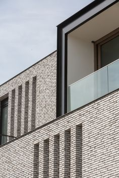 residence BAUHAUS | oostduinkerke - Projects - CAAN Architecten / Gent Brick Architecture, Contemporary Architecture, Interior Architecture, Bauhaus, Building Exterior, Brick Building, Brick Images, Exterior Wall Cladding, Brick Projects