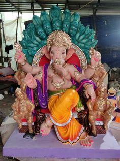 Shri Ganesh Images, Durga Ji, Ganesh Lord, Ganesh Wallpaper, Ganpati Bappa, Hindu Deities, Hanuman, Statues, Cute Cats