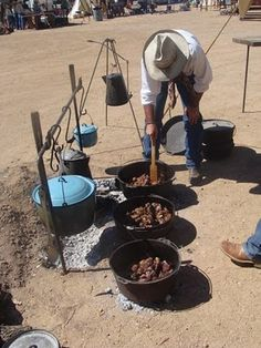 Cowboys and Chuckwagon Cooking : Chuck Wagon Recipes