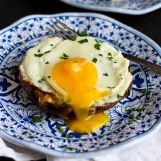 Portobello Baked Eggs with Spinach & Smoked Gouda