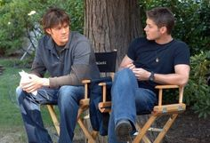Awwww. I love season 1. And the Samulet. And Sam's shorter hair.