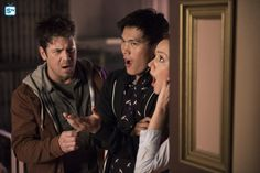 26959_001_2182_R  Spoiler TV S4 of #TheLibrarians Promo pix > http://images.spoilertv.com/The%20Librarians/Season%204/Promotional%20Episode%20Photos/Episode%204.01%20-%20And%20The%20Dark%20Secret/26959_001_0052_R.jpg.php