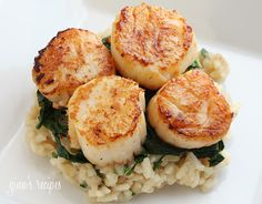 Seared Scallops over Wilted Spinach. Seared Scallops over Wilted Spinach and Parmesan Risotto Fish Recipes, Seafood Recipes, Great Recipes, Cooking Recipes, Favorite Recipes, Healthy Recipes, Healthy Scallop Recipes, Pureed Recipes, Pureed Food