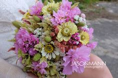 Wild flower bouquet from a Door County wedding in Peninsula State Park. Photo by Jason Mann Photography | 920-246-8106 | www.Jmannphoto.com