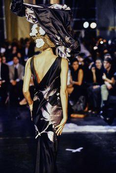 John Galliano Spring 1996 Ready-to-Wear Fashion Show Details