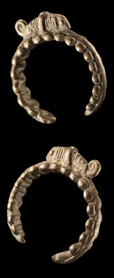Africa - Bracelet from the Senufo people of Ivory Coast; Bronze alloy