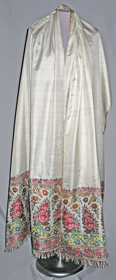 Shawl. Spitalfields, silk. London,1810-1815. England.