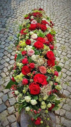 Casket Flowers, Funeral Flowers, Funeral Arrangements, Flower Arrangements, Green Funeral, Funeral Caskets, Grave Decorations, Casket Sprays, Funeral Tributes